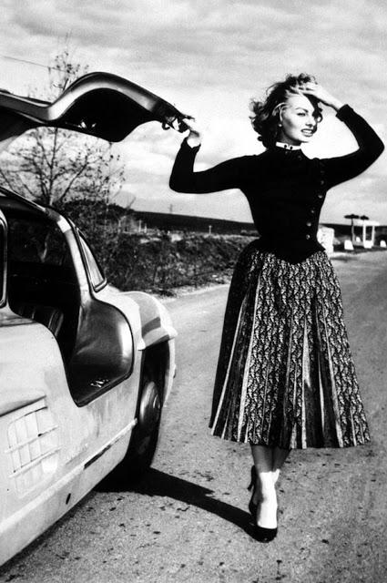 Sophia Loren - Mercedes 300 SL Gullwing