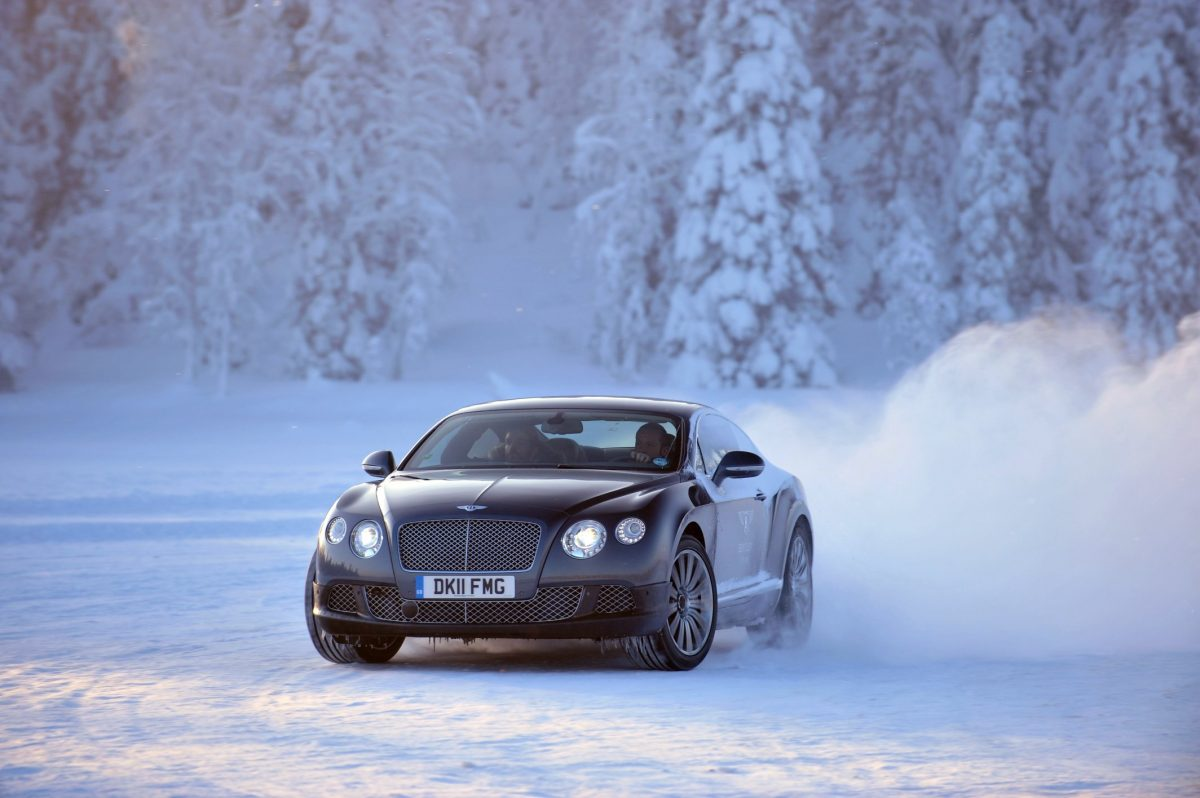 "BENTLEY IN FINLANDIA PER ""POWER ON ICE 2013″"