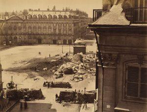 colonna-Vendôme-distrutta-fotografata-da-Franck-1871