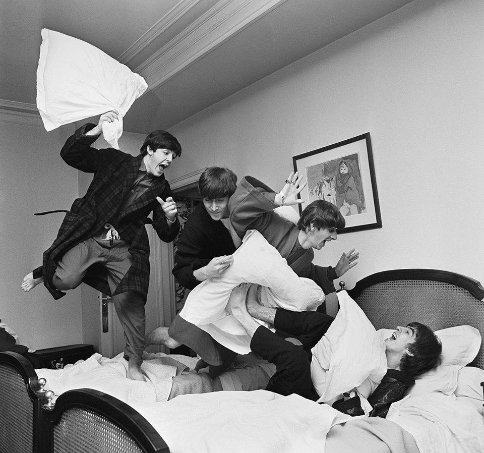 La battaglia con i cuscini | Harry Benson