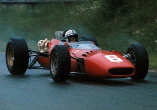 John Surtees su Ferrari 158