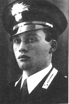 Carlo CRIVELLI, né en 1953 Salvo-D'Acquisto-Eroe-Italiano